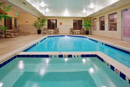 Holiday Inn Express Hotel & Suites Vernal: Relax while working in Vernal, Utah at the Indoor