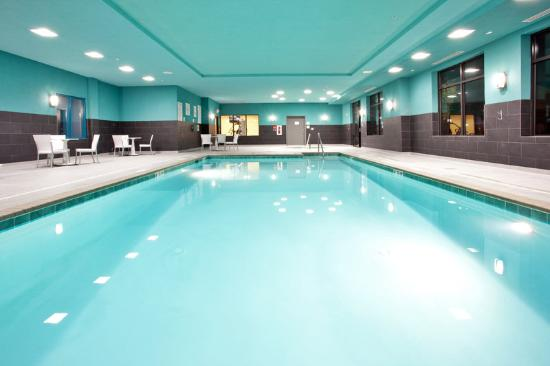 Holiday Inn Express Hotel & Suites Norfolk International Airport: Swim a few laps while in town.