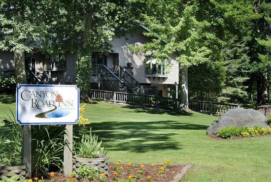 Turtle Lake, WI: Canyon Road Inn