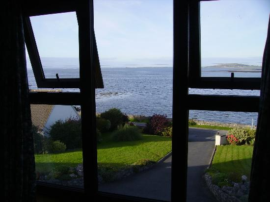 Oceanville House Bed & Breakfast: Galway Bay from our room