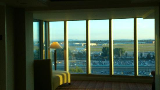 Fairmont Vancouver Airport: View from common area
