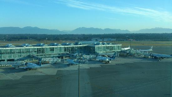 Fairmont Vancouver Airport: The view from my room