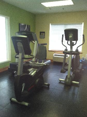 Country Inn & Suites by Carlson _ Dalton: Fitness Center