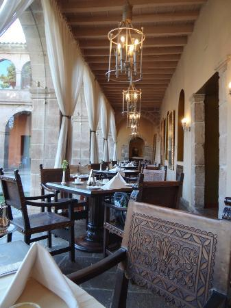 Hotel Monasterio by Orient-Express: Dining area