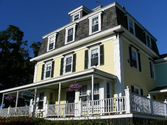 Harbor House Inn: Harbor House