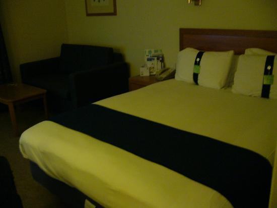 Holiday Inn Taunton M5, Jct. 25: bed