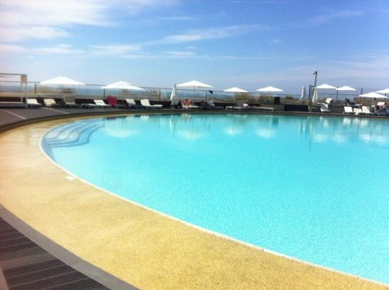 Vale do Lobo, Portugal: breeze pool at texture cafe 15 euros to use