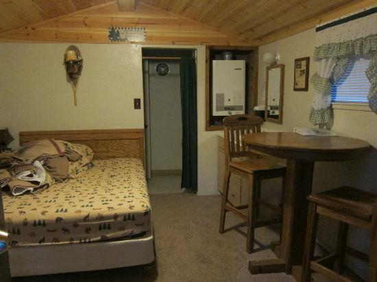 Pinecrest Chalet: Our Room