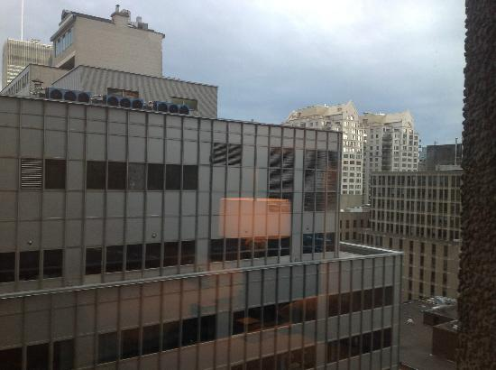 Hotel Omni Mont-Royal: The View of Montreal