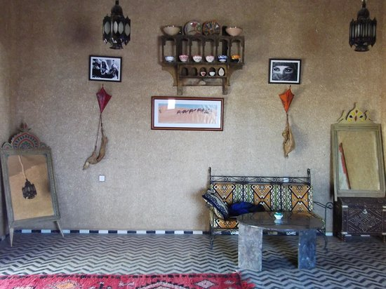 Hotel Ksar Merzouga: Lobby area
