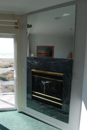 Inn at the Shore: Room fireplace