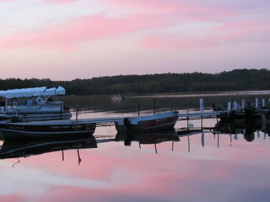 Hidden Haven Resort: Bass Lake at sunset