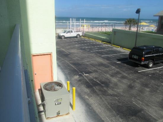 El Caribe Resort and Conference Center: View from Balcony (note a/c unit - 1 of 4)