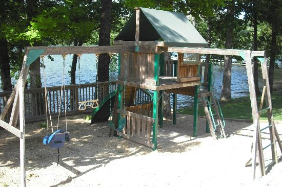 Vickery Resort On Table Rock Lake: Playground