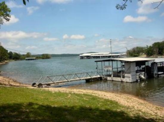Vickery Resort On Table Rock Lake: Private Dock