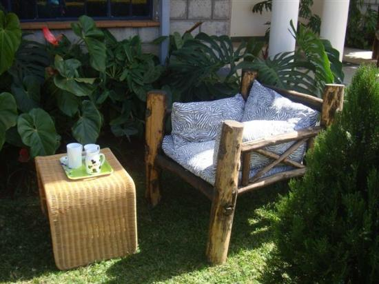 Just at Home Guest House: Tea in the Garden