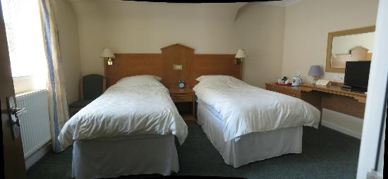 Hazelwood House: Twin Room