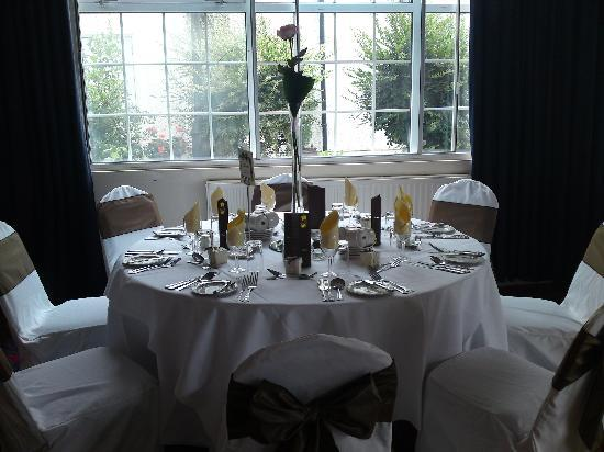 Freuchie, UK: Wedding Breakfast Table Set Up - Adams Suite