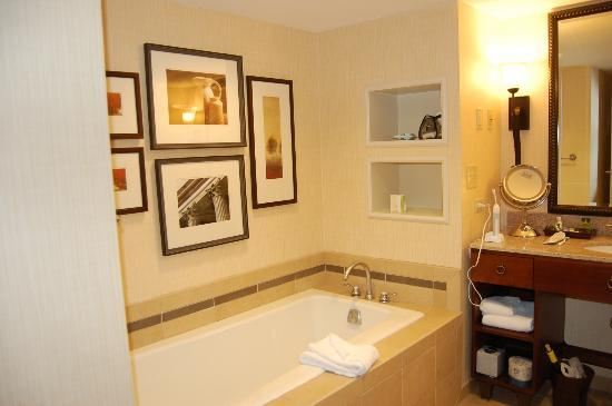 The Hotel at Auburn University: View of tub.