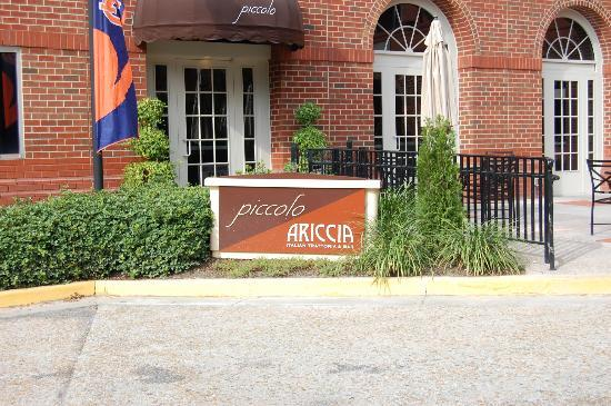 The Hotel at Auburn University: Partial view of outside dining.
