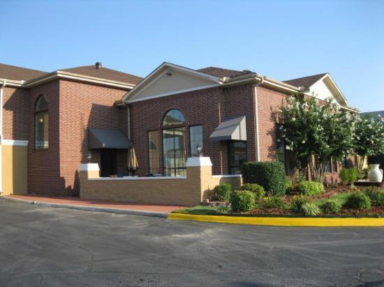 ‪BEST WESTERN PLUS Lonoke Hotel‬