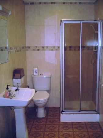 Elim House: Bathroom - No. 8