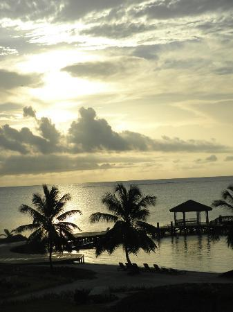Grand Caribe Belize Resort and Condominiums: Sunrise