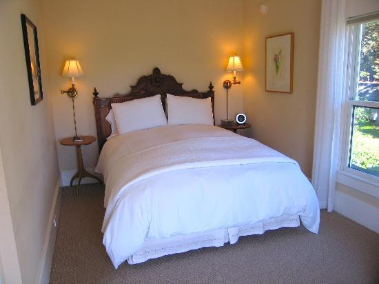 Glendeven Inn: Bay View's Bedroom