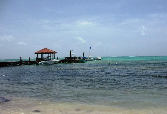 Grand Caribe Belize Resort and Condominiums: The pier