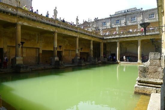 Overnight trip to Bath: Christmas Markets, Roman Baths, Italian Food & Wine