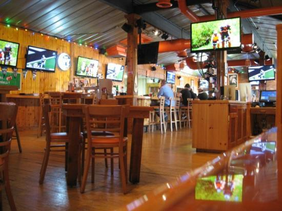 Hooters Restaurant Locations In Chicago