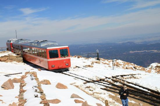 Hampton Inn Canon City: Train on top of Pikes Peak