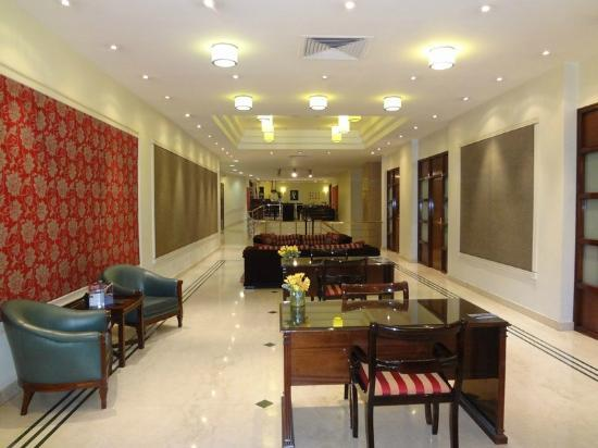 Argenta Tower Hotel and Suites: Lobby