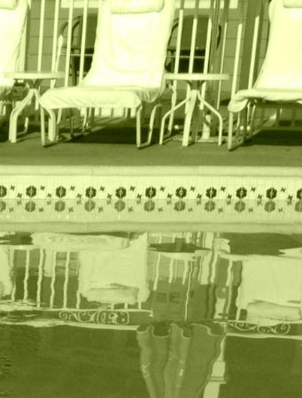 Beach Shack : poolside reflection