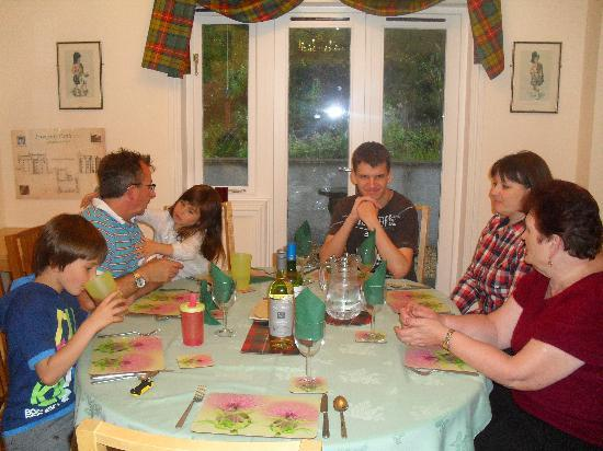 Glen Albyn Lodge Invergarry Bed and Breakfast: Ready to dine