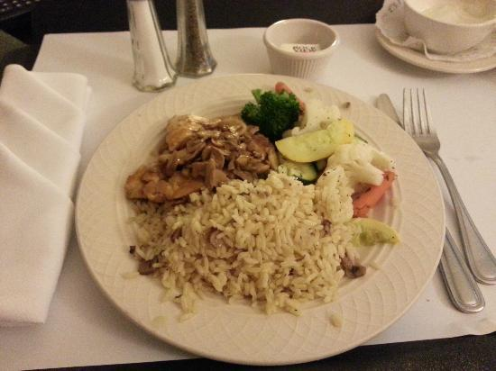 Doubletree by Hilton Hotel Torrance/South Bay: Chicken Marsala from Room Service