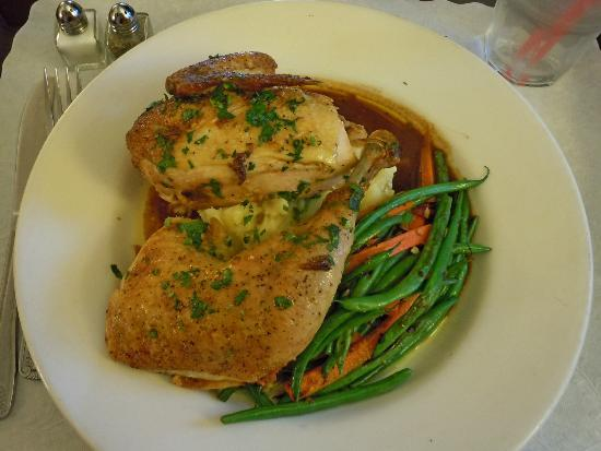 Embassy Suites by Hilton Hotel Los Angeles International Airport South: Embassy Suites LAX South Room Service Baked Chicken