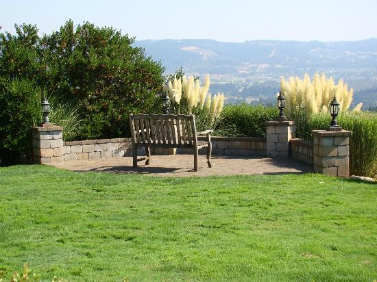 Lobenhaus Bed & Breakfast & Vineyard: Oregon Wine Country