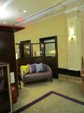 Club Quarters in Houston: Lobby