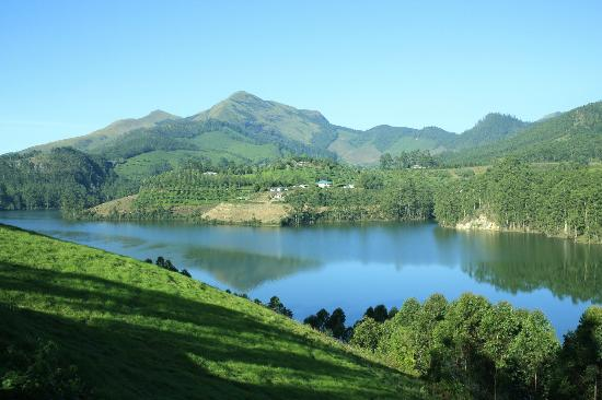 Camp Noel: Munnar lake