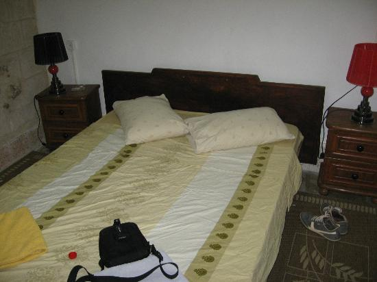Abu Saeed Hostel: Room & bed