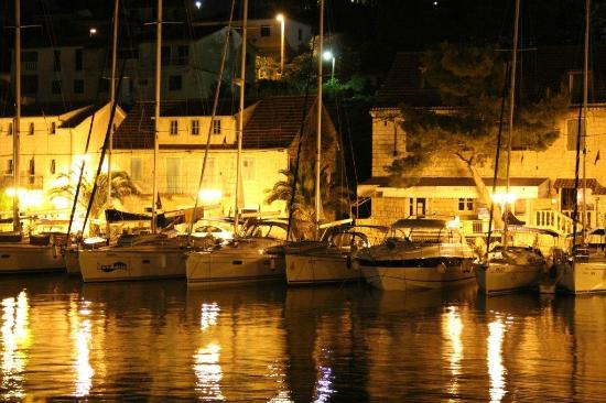 Solta Island, Croatia: Stomorska by night, island olta