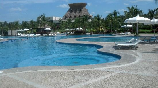 Mayan Palace Acapulco: Beautiful pools