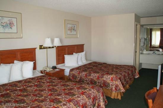 Quality Inn &amp; Suites: Zimmer