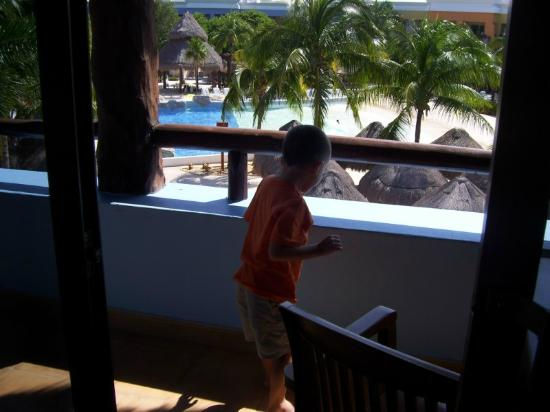 Iberostar Paraiso Lindo: Balcony - to the left balcony had another entire side Very Big Perfect for play