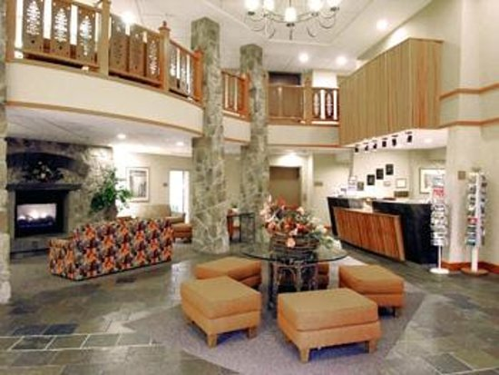 BEST WESTERN Rocky Mountain Lodge: The lobby
