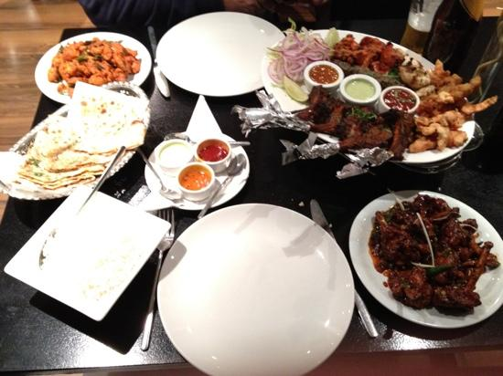 Papa j 39 s indian tapas restaurant bar luton luton for Cuisine queen catering