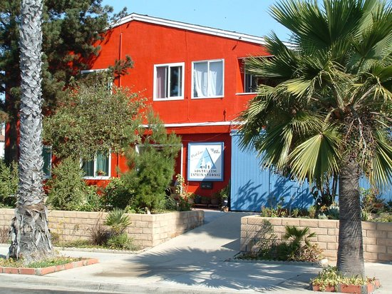 Hostelling International San Diego, Point Loma: The Big Red Building