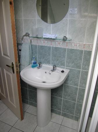 Ashfield Bed &amp; Breakfast: Bathroom