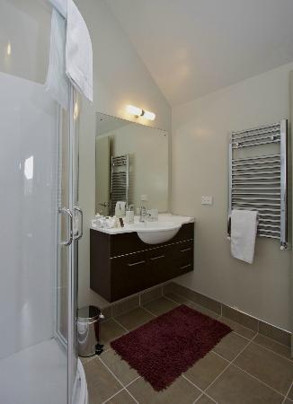 Manuka Lodge: Ensuite